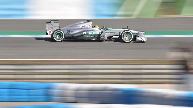 Mercedes AMG F1W04