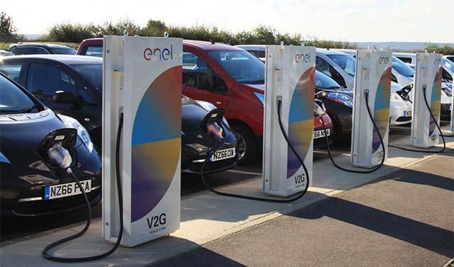 Nissan installs V2G