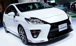 2016-Toyota-Prius-Front