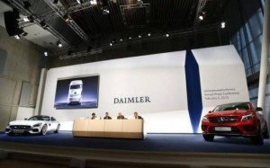 Daimler ponders partnerships with Apple and Google