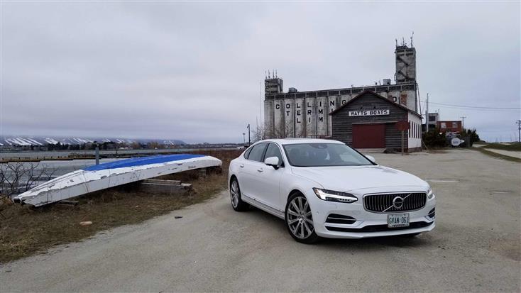 2018-Volvo-S90-T8